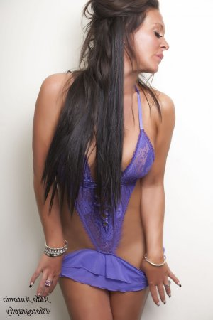 Soizick casual sex in Lodi California & independent escorts