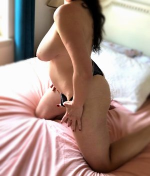 Zaquia escort girl in Jenks Oklahoma
