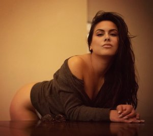 Emline escort girls in Castaic California, sex parties