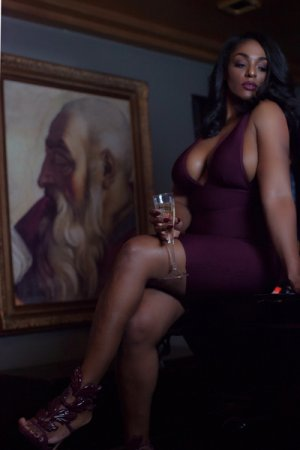 Chaynese adult dating in Shaker Heights
